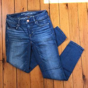 AEO Size 0 Medium Wash Skinny Jegging Ankle Jeans